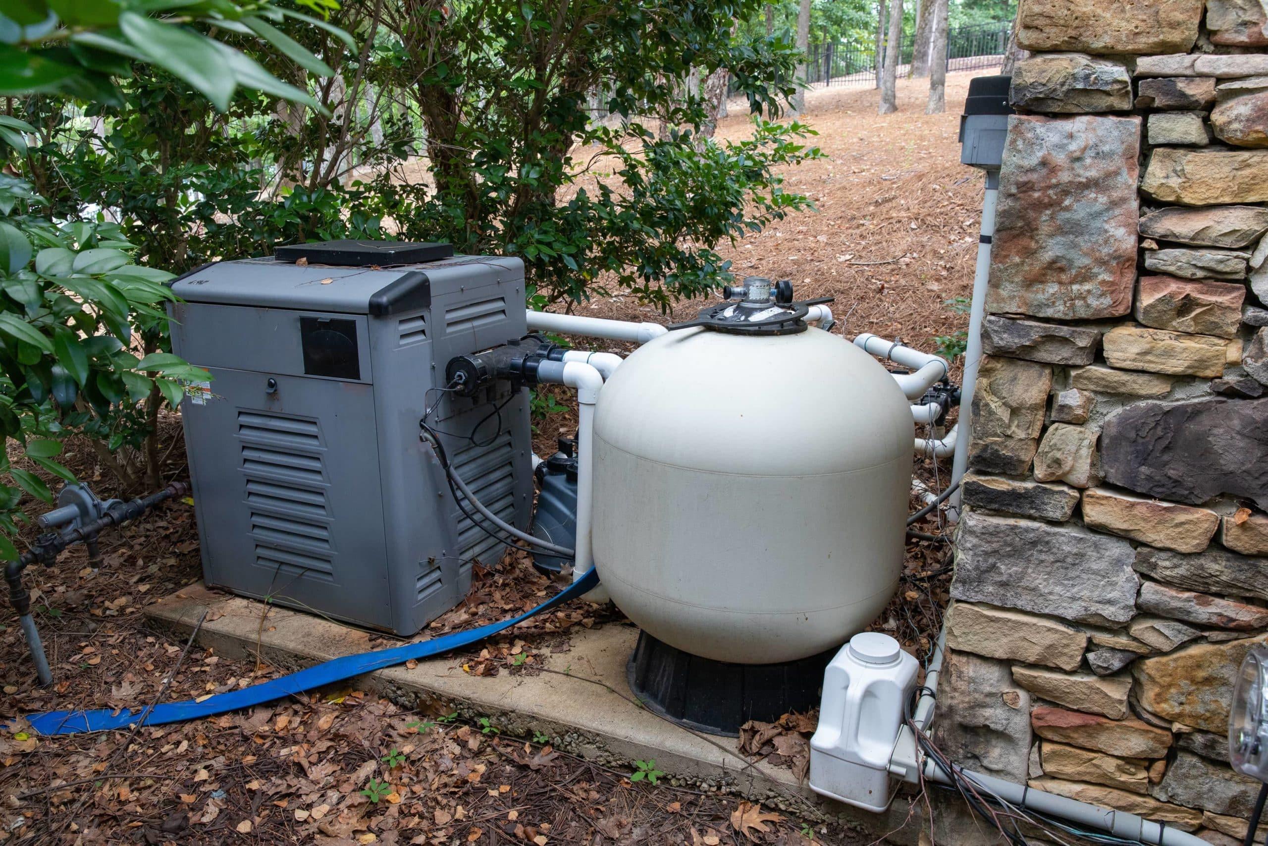 Why pool pump leaking